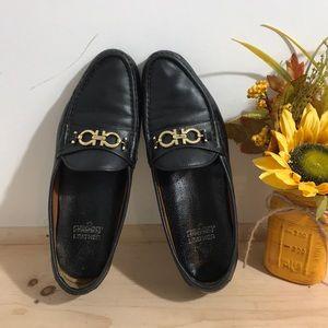 Salvatore Ferragamo women's Leather loafers- 9.5AA